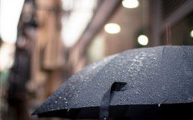 Meteorologii anunta ploi torentiale in Bucuresti pana miercuri seara