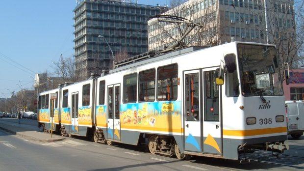 lovit de tramvai