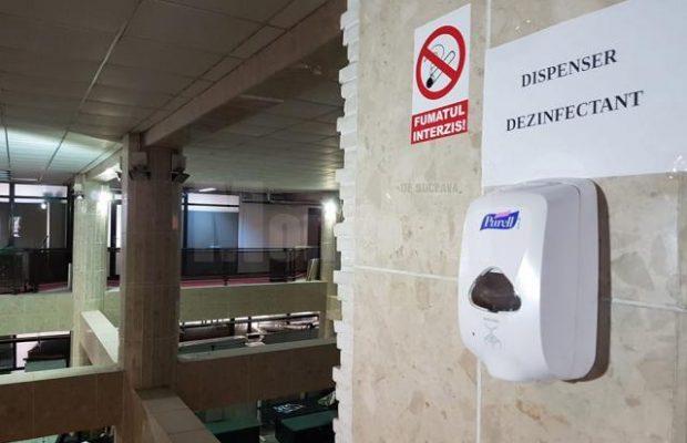 dispensere cu dezinfectant