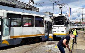 Cel putin 7 persoane ranite in urma ciocnirii a doua tramvaie in sectorul 4!
