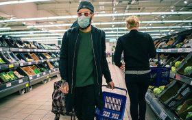 Noi reguli pentru magazinele din Bucuresti: vom putea intra la cumparaturi doar daca gasim carucioare la intrare